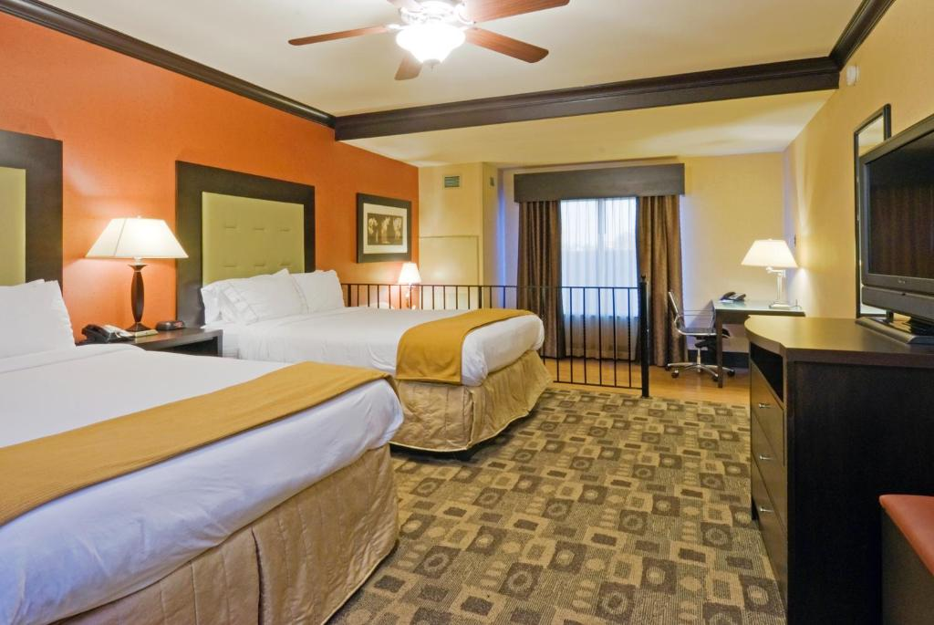 Express Columbia Sc >> Holiday Inn Express Hotel Suites Columbia Fort Jackson
