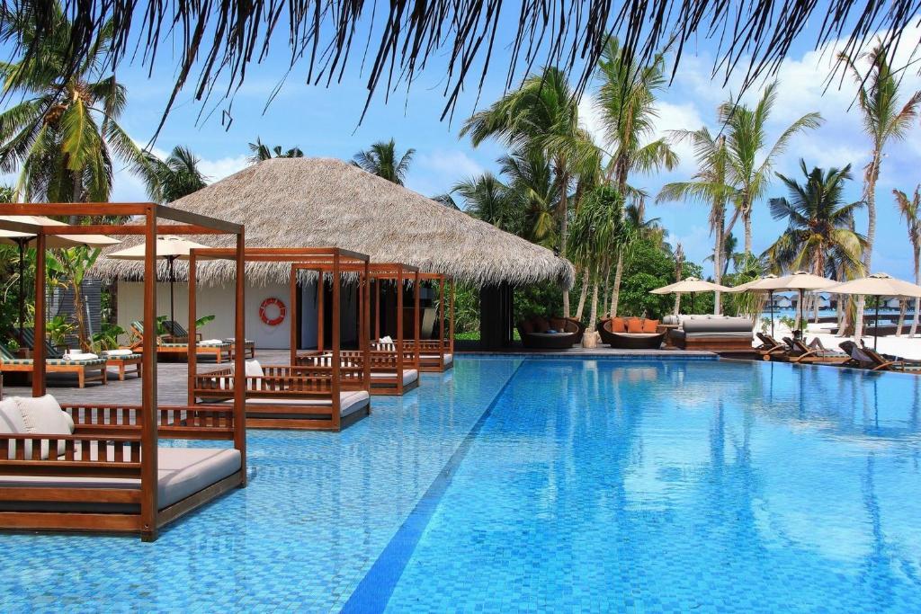 the residence maldives maamendhoo maldives. Black Bedroom Furniture Sets. Home Design Ideas