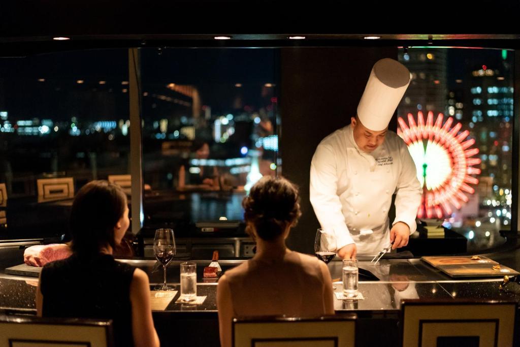 ポイント2.夜景を見ながら神戸ビーフを味わう