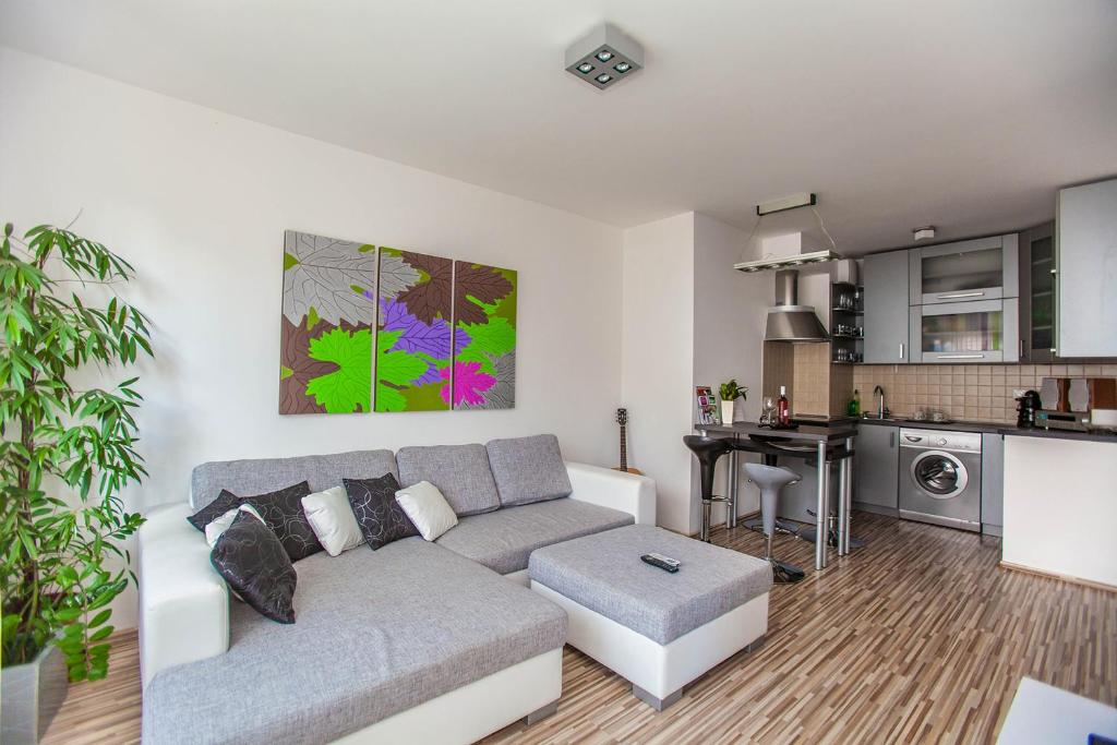 A seating area at Mentha Apartments Deluxe