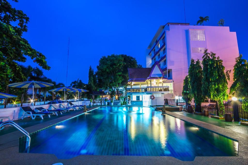 South Pattaya Hotels Near Walking Street