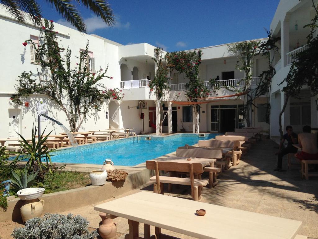 Appart hotel rodes tunisie mezraya for Appart hotel 95