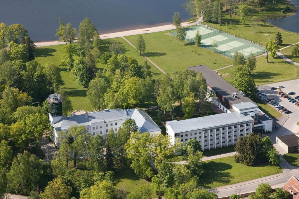 Vaade majutusasutusele Pühajärve Spa & Holiday Resort linnulennult