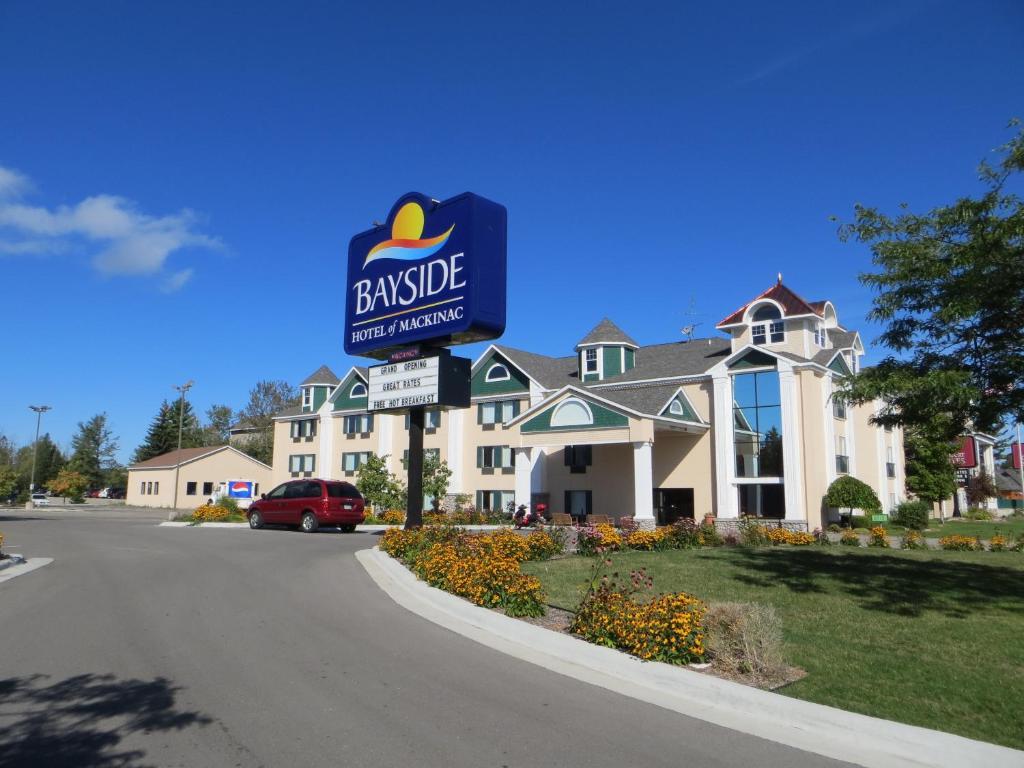 Bayside Hotel Mackinaw City