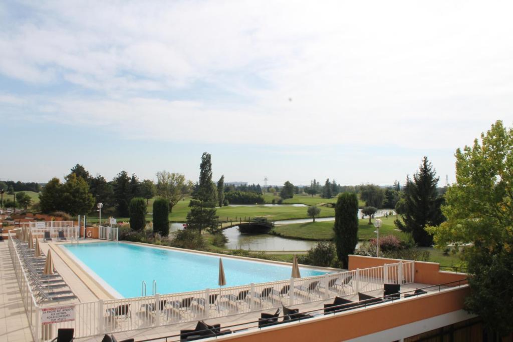H U00f4tel Mercure Toulouse Golf De Seilh  France Seilh