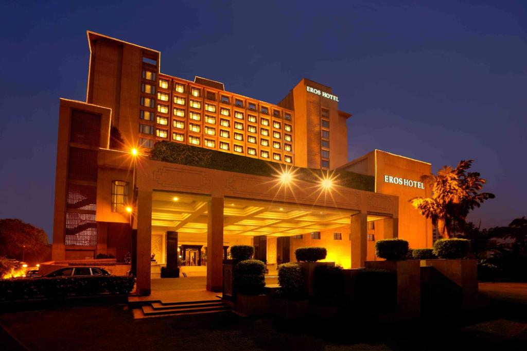 Eros hotel new delhi nehru place india for Booking hotel
