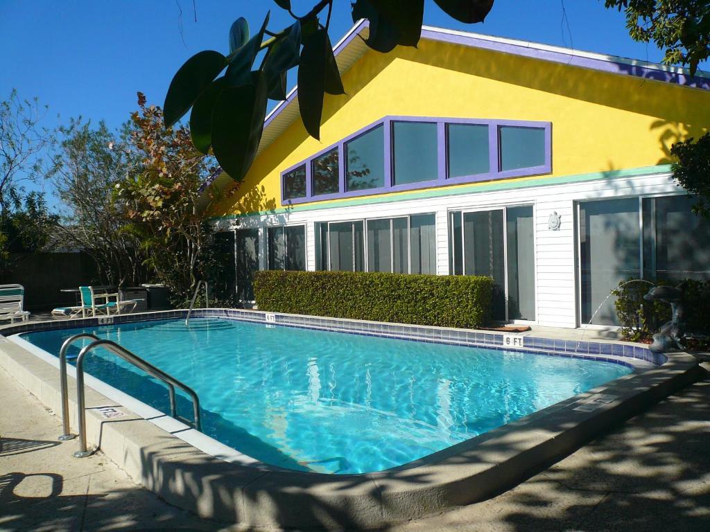 Whispers Resort Condos St Pete Beach FL  Bookingcom