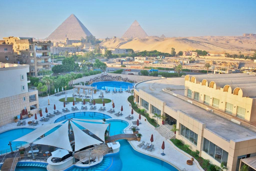 Le meridien pyramids hotel spa cairo egypt for Le site booking