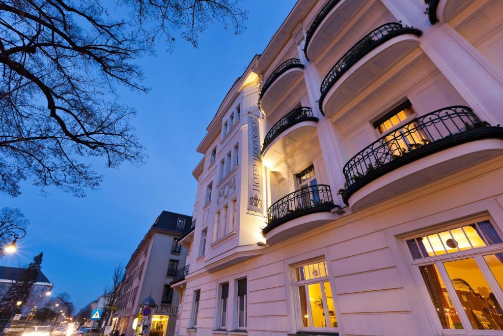 Hotel Herzoghof Osterreich Baden Booking Com