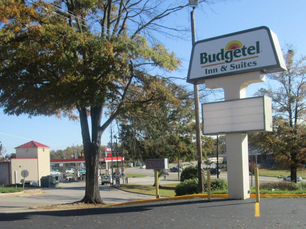 Budgetel Inn Suites