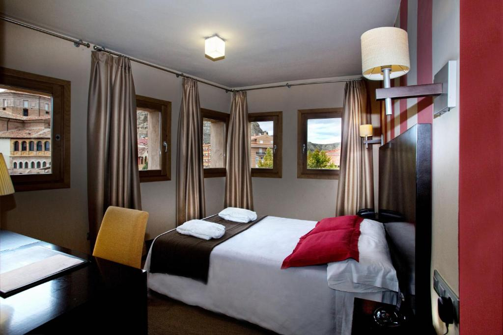 boutique hotels in zaragoza  33