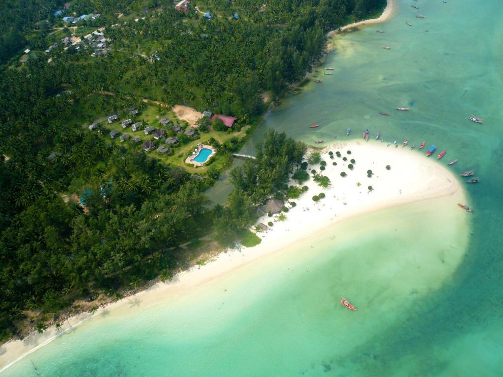 Een luchtfoto van Malibu Beach Bungalows
