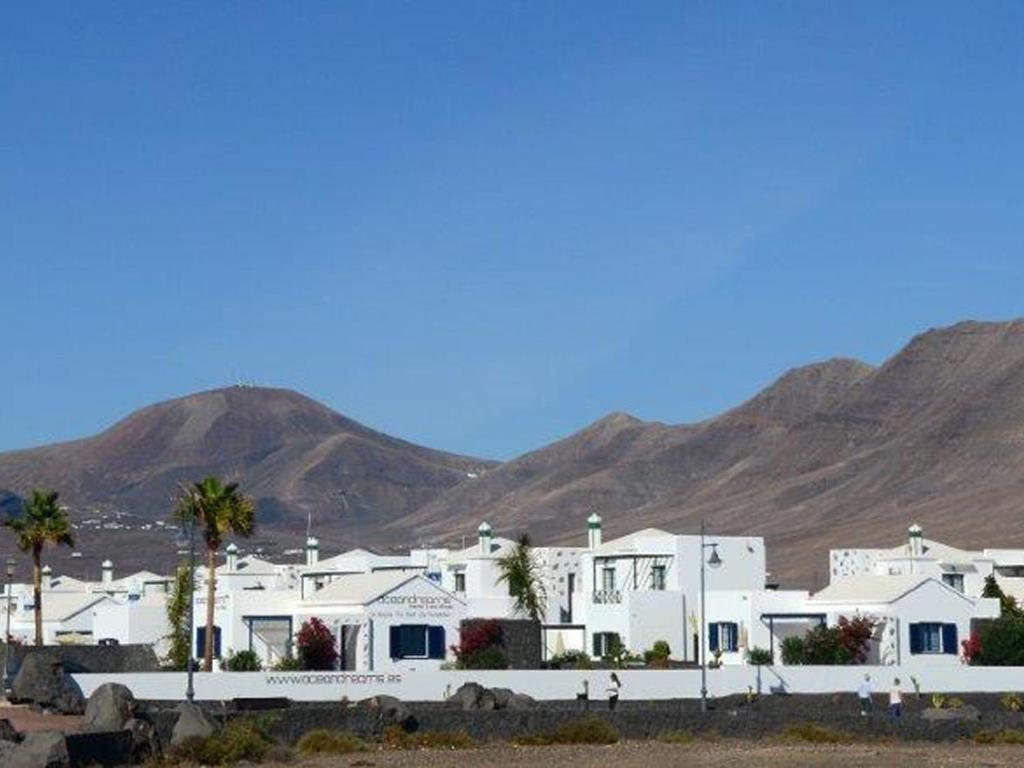 Villas Near Volcan Hotel Playa Blanca