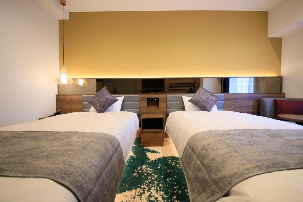 ポイント1.モダンなデザインの華やかな客室