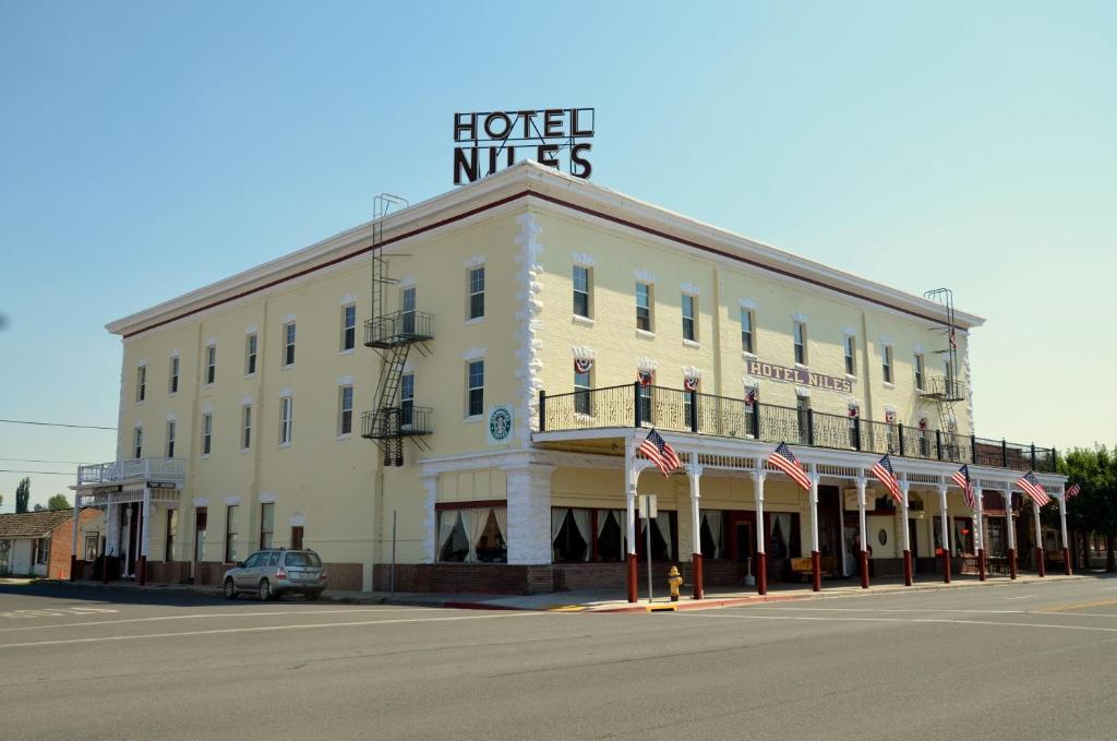 Niles Hotel Restaurant Alturas