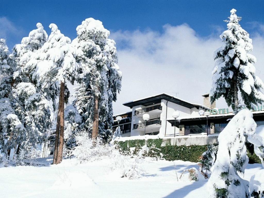 Hotel Bor during the winter