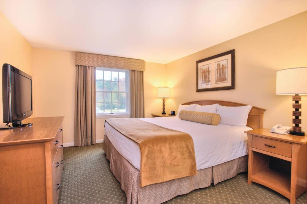 condo hotel wyndham bentley brook hancock ma. Cars Review. Best American Auto & Cars Review