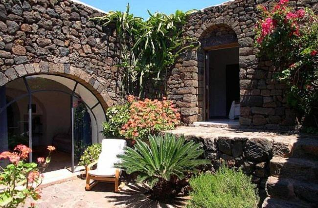 Case Di Pietra Pantelleria : Sarina pantelleria u prezzi aggiornati per il