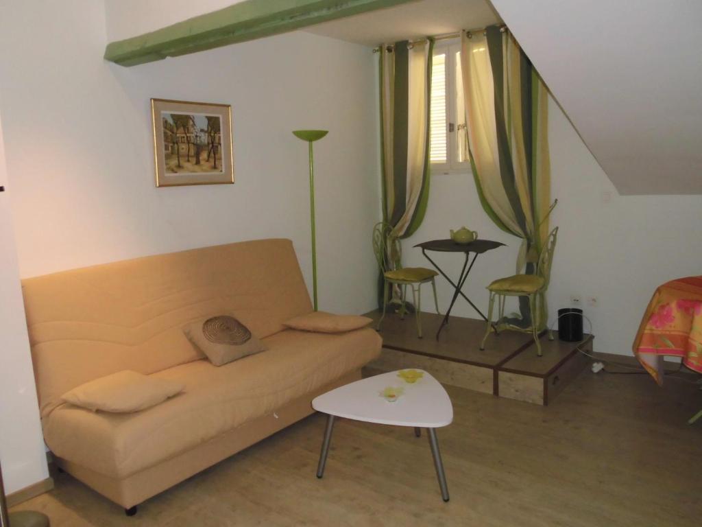 appartement studio de charme bord de mer france saint rapha l. Black Bedroom Furniture Sets. Home Design Ideas