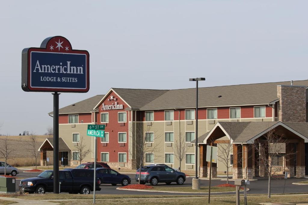 AmericInn by Wyndham Cedar Rapids/CID Airport.