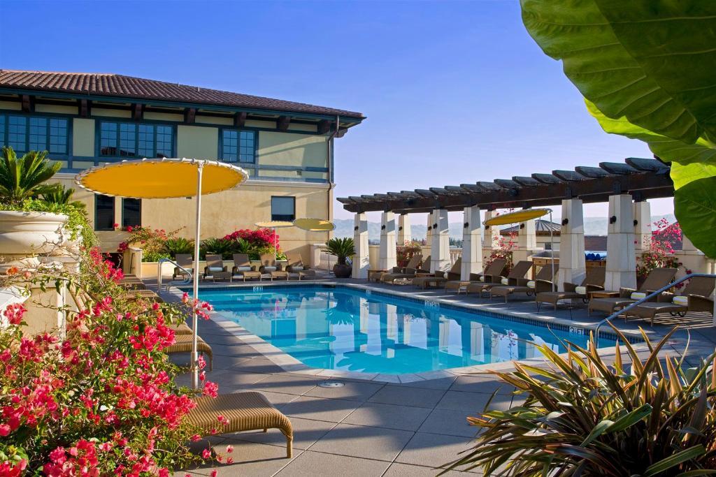 The swimming pool at or near Hotel Valencia Santana Row