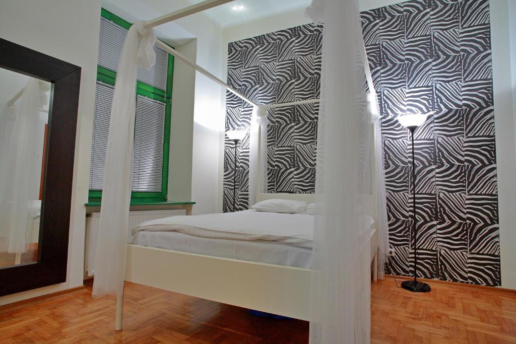 Italiaans Poolse Woonkamer : Apartamenty galeria polen krakau booking.com