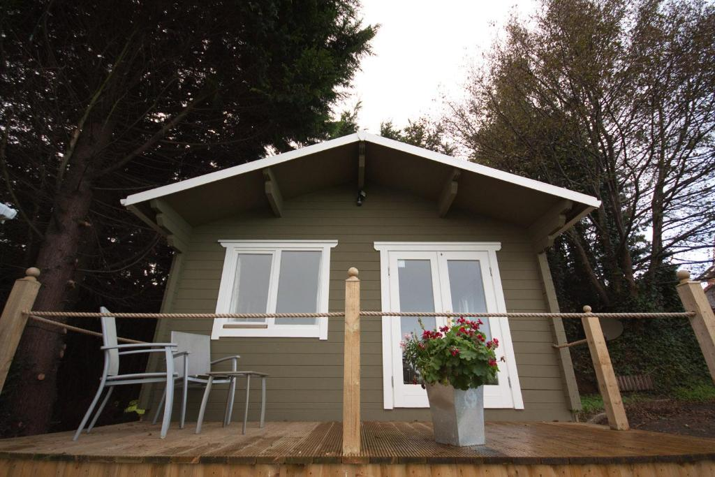 Holiday home river view cabins londonderry uk for River view cabins