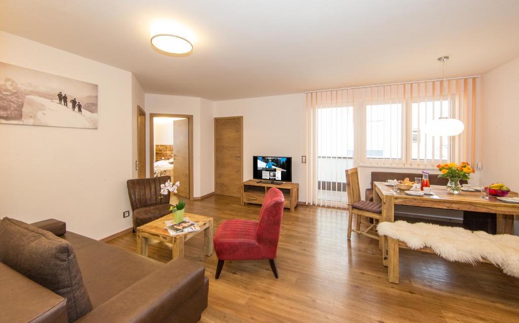 Apartment Apt Living Schonwies, Zell am See, Austria - Booking.com