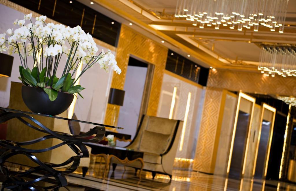 Condo hotel damac maison dubai mall street uae for Dubai hotel booking