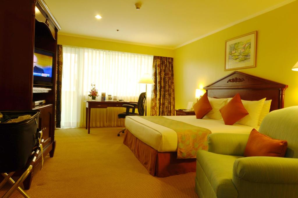 Hotel Oxford Suites Makati Manila Philippines Booking Com