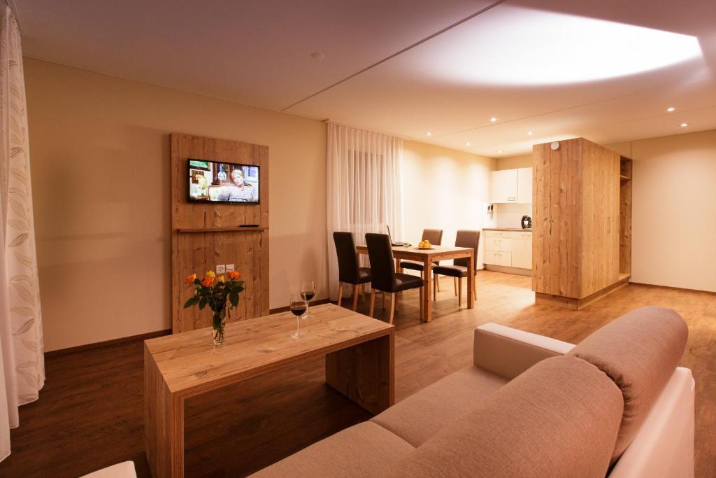 wohnen wie im hotel schweiz sevelen. Black Bedroom Furniture Sets. Home Design Ideas
