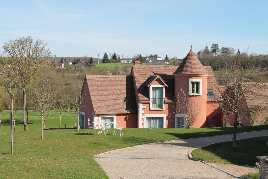 Apartments In Saint-calez-en-saosnois Pays De La Loire