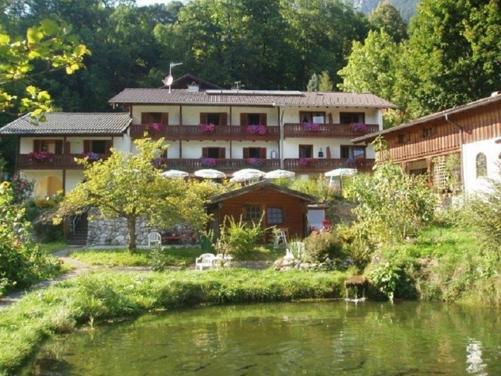 Hotel Quellenhof Garni Deutschland Bad Reichenhall Bookingcom