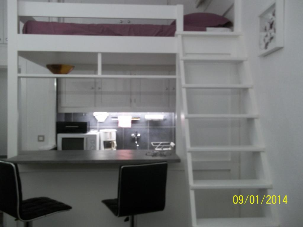 interesting studio avec mezzanine neuf u design nice france deals with lit mezzanine but 2 places