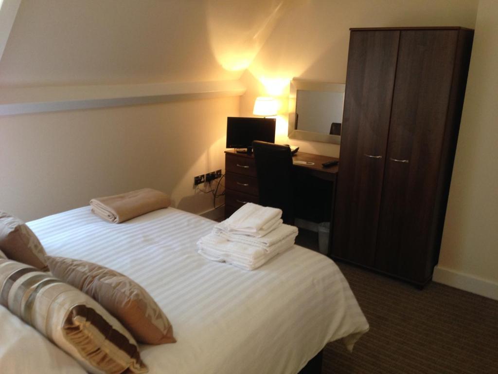 wellington hotel deluxe double. Gallery Image Of This Property Wellington Hotel Deluxe Double