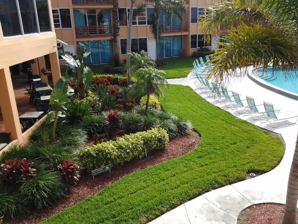 Dolphin Beach Resort, St. Pete Beach, FL - Booking.com