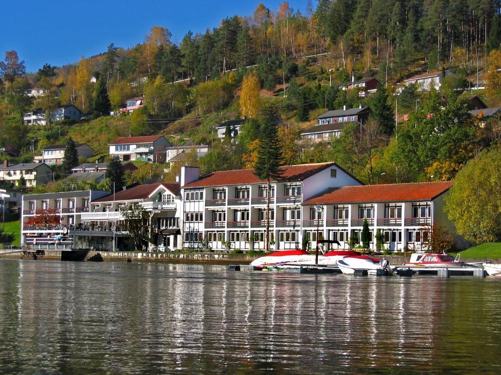 Strand Fjordhotel Ulvik Norway Bookingcom - Ulvik norway map