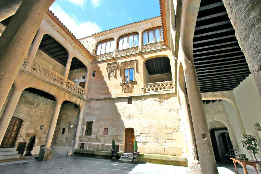 boutique hotels in villanueva de cañedo  5