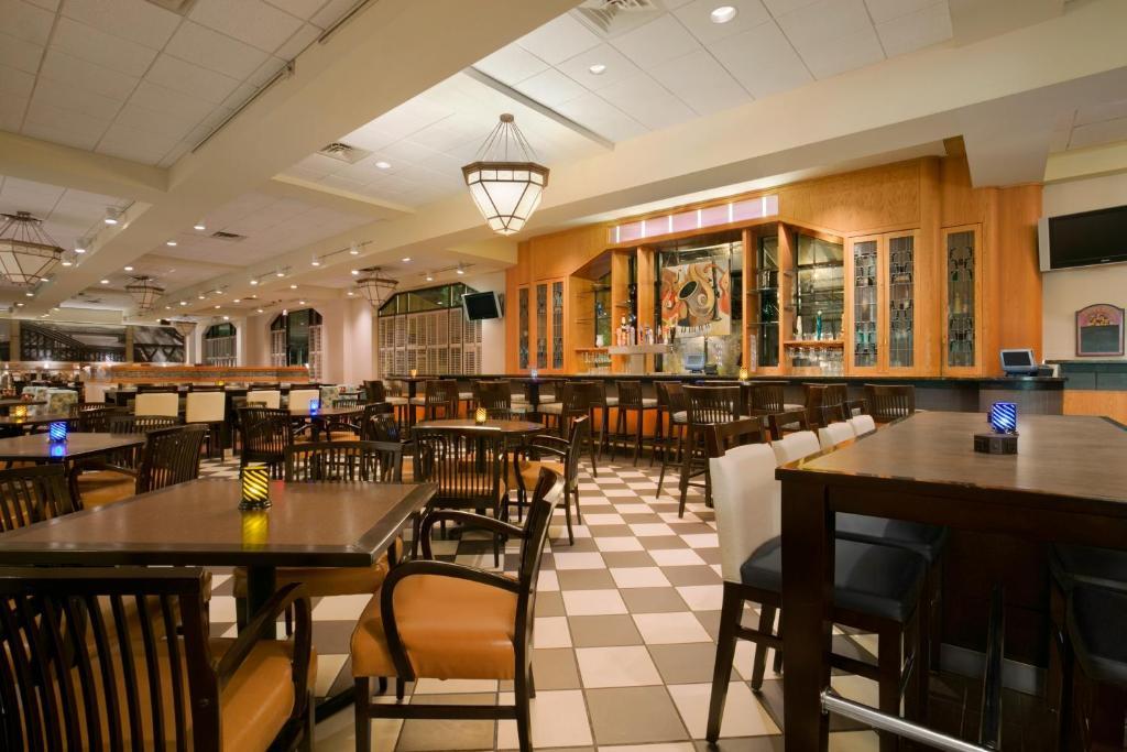 Wyndham Pittsburgh University Center
