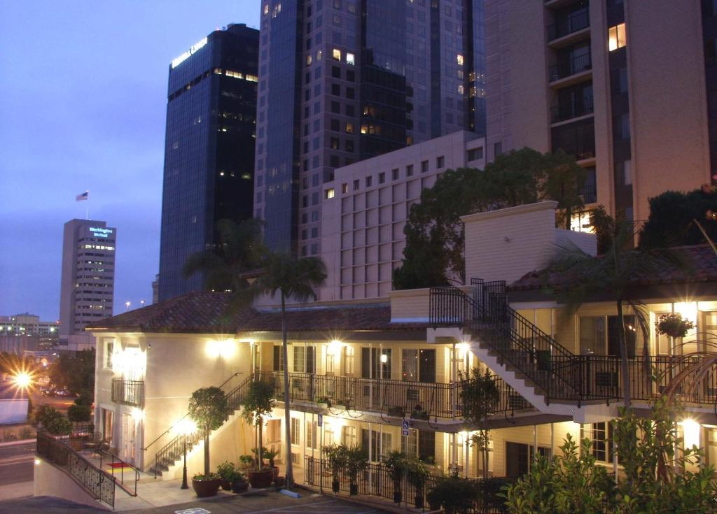 Hotel Best Western PLUS Cabrillo Garden San Diego CA Bookingcom