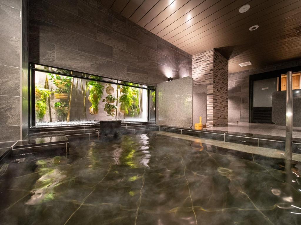 ポイント2.温泉大浴場など充実の館内サービス