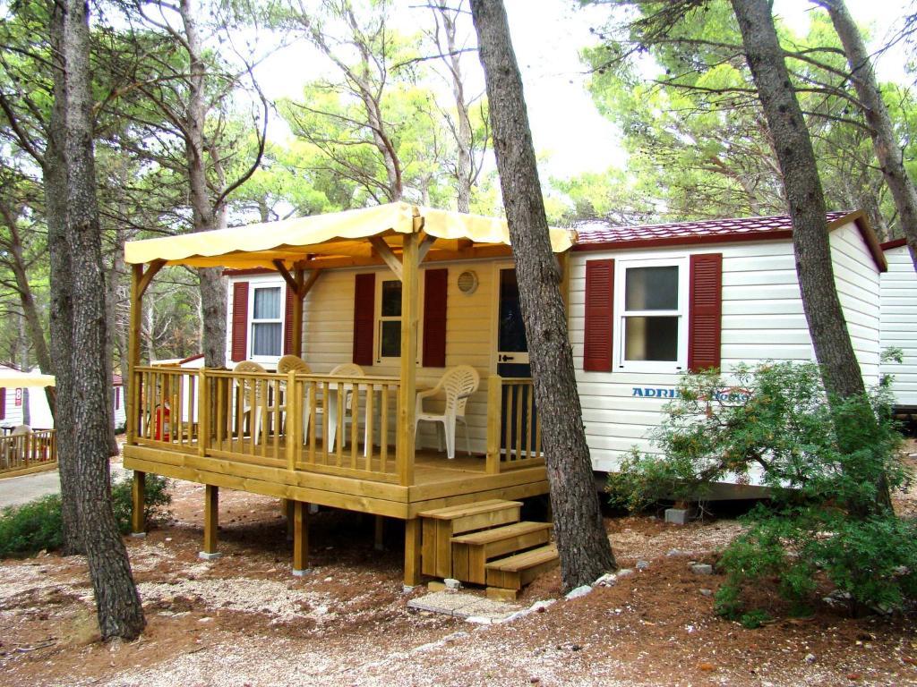 resort village mobile homes adria riva ba ka voda. Black Bedroom Furniture Sets. Home Design Ideas