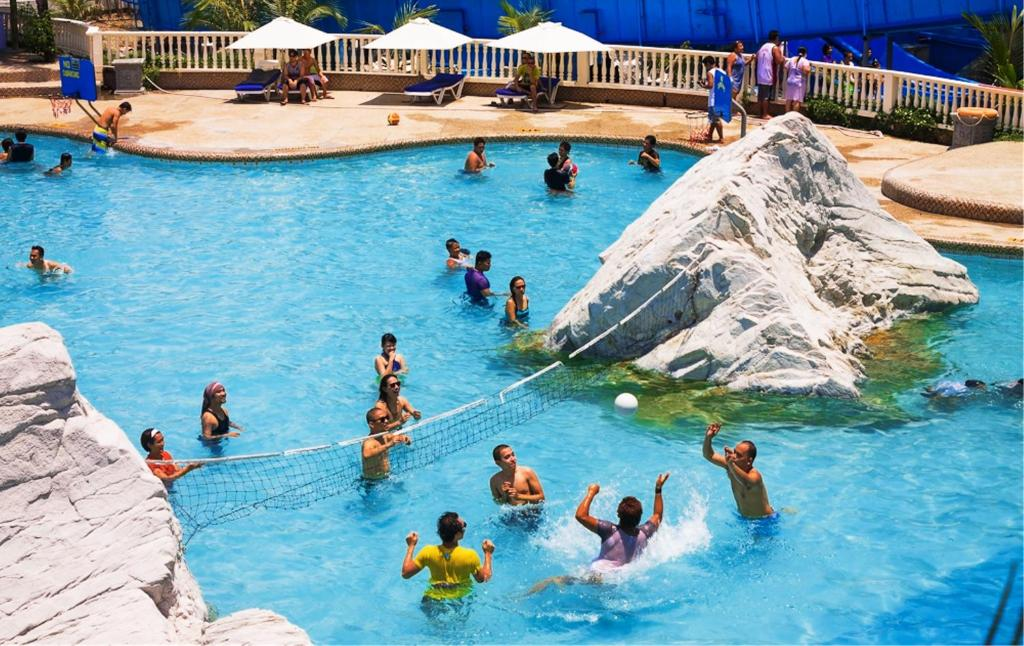 White Rock Waterpark and Beach Hotel
