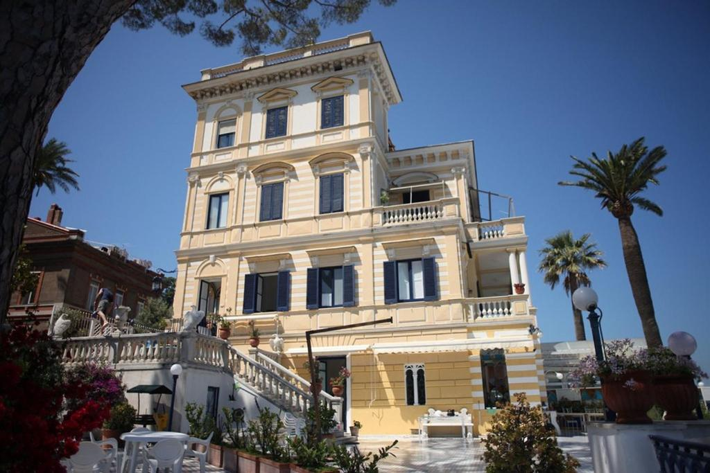 Villa la terrazza sorrento italy - Villa la terrazza ...