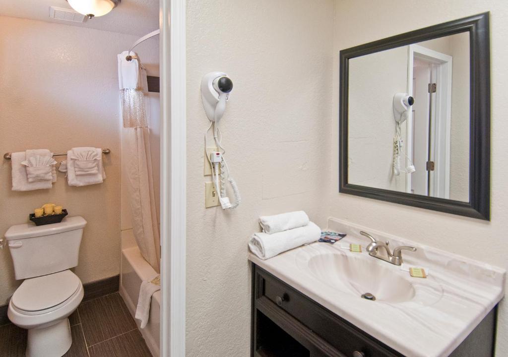 Canyon Inn Flagstaff AZ Bookingcom - Bathroom remodel flagstaff