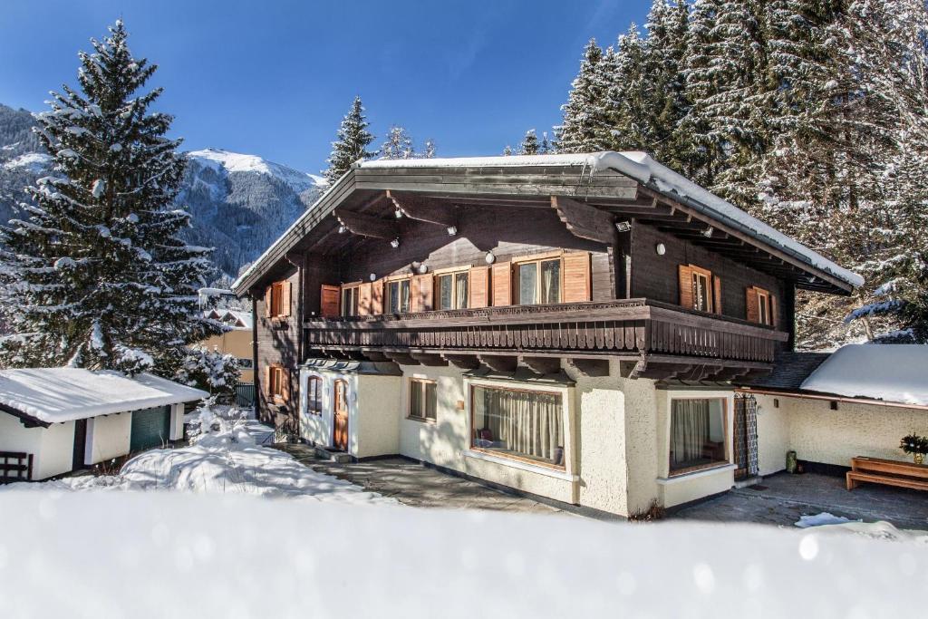 Villa becker zell am see austria for Designhotel zell am see living max