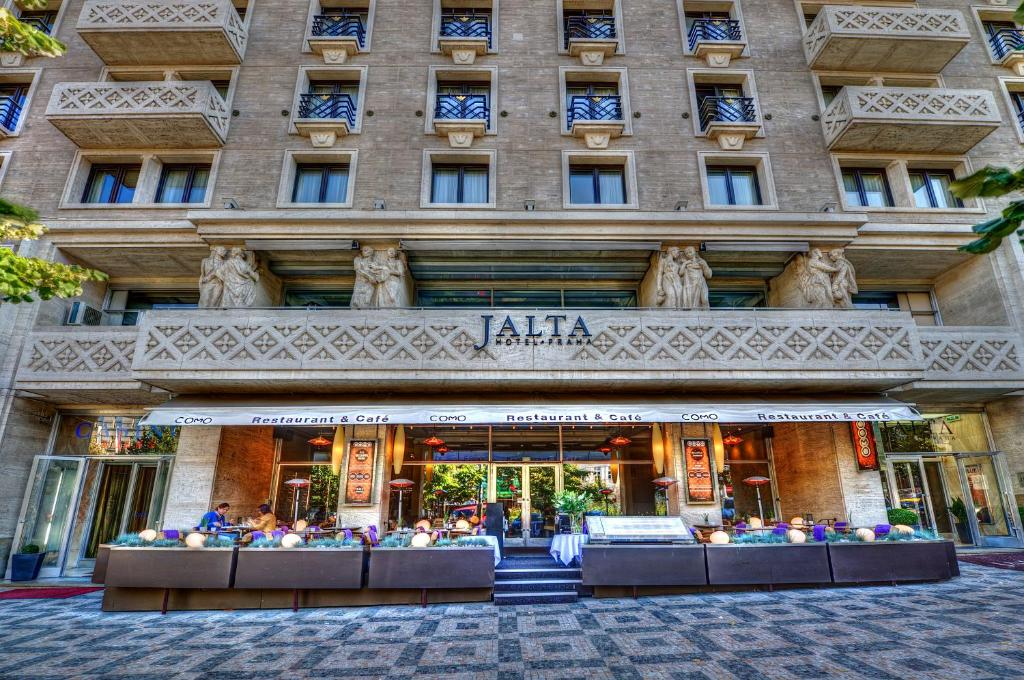 Jalta boutique hotel prague updated 2019 prices for Design boutique hotel prag