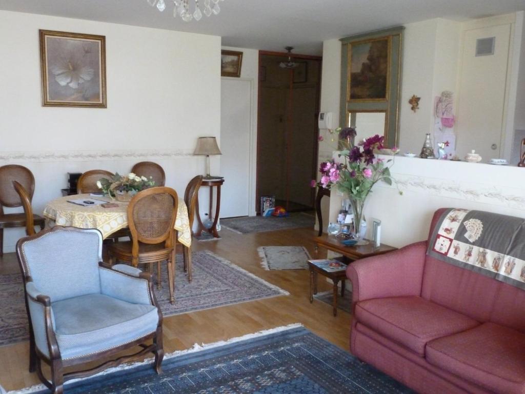 Appartement Alésia - Plaisance, Paris, France - Booking.com