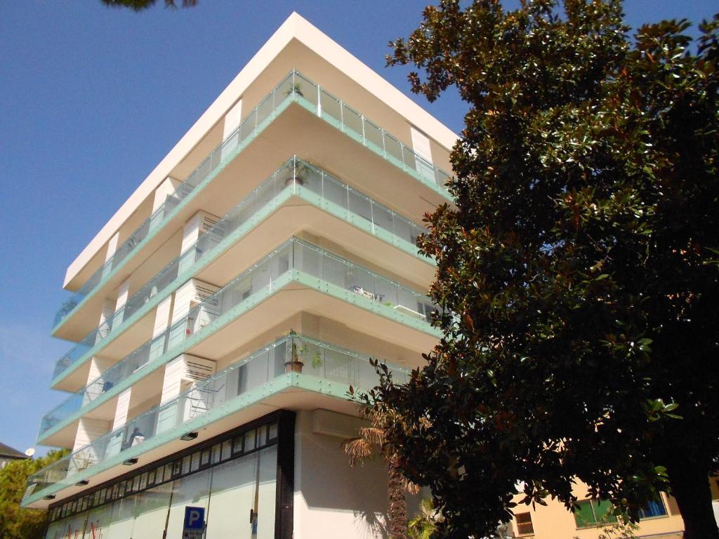 Appartamenti fiore lignano sabbiadoro prezzi aggiornati for Appartamenti lignano