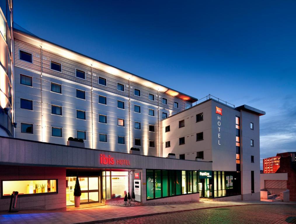 Booking Aberdeen Hotels